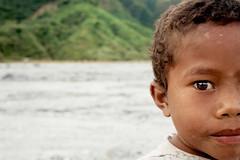 Lonely boy (Nadine www.nadinesilva.it) Tags: boy portrait kid child native philippines naturallight ritratto pinatubo indigenous bambino filippine indigeno