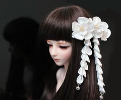Hidden Secrets: BJD size tsumami kanzashi. (Bright Wish Kanzashi) Tags: white flower bjd weddings hairpin hairpiece msd  accessory tsumami ruan kanzashi hairornament 40cm souldoll   tsumamikanzashi  hanatsukuri  ornatehairpin japanesetechnique