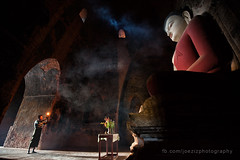 pray in bagan (joeziz EK pholrojpanya) Tags: from thailand view you photos or everyone imagex seax photox cityx naturex artistx photographyx nightx nikonx travelx landscapex gettyx twilightx imagesx cityscapex skylinex fototrovex picksx