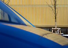 GOLD - Lenbachhaus Mnchen (daitoZen) Tags: auto blue color reflection building car museum architecture modern facade germany munich mnchen deutschland bavaria gold europa europe front foster munchen blau spiegelung muenchen fassade neubau anbau knigsplatz  lenbachhaus lenbach imgp7625