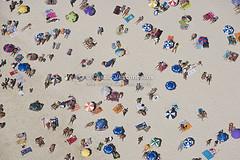 Fotografias Areas do Rio de Janeiro (fotografiasaereas) Tags: 90 aerea abundance aerial aerialview americalatina americadosul areia banhista beach brasil brazil colorimage colorido copacabana copacabanabeach crowded ferias guardasol horizontal largegroupofpeople latinamerica lotado multidao nature outdoor praia people pessoas praialotada riodejaneirocidade relaxation riodejaneiro sand southamerica tourist travel turista vacations viagem aterrodoflamengo baadeguanabara vistaarea podeacar rio fotoarea fotografiaarea aerialphotography fotografiasareas imagensareas bancodeimagens ipanema marambaia restinga amanhecer maracan estdiodefutebol arcosdalapa presidentevargas arpoador luftbild bild