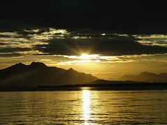 (Gabriela Scaranto) Tags: sunset sol praia brasil pôrdosol litoral sul montanhas cananéia ilhacomprida scaranto gabrielascaranto