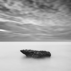 ...One (The Anvil) (DavidFrutos) Tags: longexposure sea bw costa seascape beach water monochrome rock clouds sunrise landscape one monocromo coast mar agua rocks playa paisaje bn alicante amanecer filter le uno lee nubes canondslr roca rocas anvil yunque filtro largaexposicin filtros neutraldensity canon1740mm gnd8 graduatedneutraldensity densidadneutra davidfrutos 5dmarkii niksilverefexpro leebigstopper singhraygallenrowellnd3ss