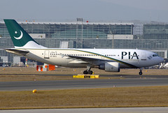 PIA - Pakistan International Airbus A310-308 AP-BEG FRA 05-03-13 (Axel J.  Aviation Photography) Tags: airport frankfurt aircraft aviation airline airbus flughafen pia flugzeug aeropuerto flugplatz fra avion airfield aviao aviones vliegtuig fraport aviacin luftfahrt luchthaven rheinmain a310 fluggesellschaft pakistaninternational apbeg