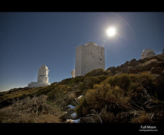 Teide Astronomical Observatory (esslingerphoto.com) Tags: longexposure sky mountain night canon stars island photography eos star volcano islands evening solar spain europe long exposure dof shot nightshot towers mount observatory single tenerife 5d nightshots canary teide mkii astronomical objetivo esslinger lascaadas izaa alcanzado esslingerphotocom