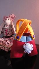 Cestinha Bunnys shorts (Karen Barcelos) Tags: ninho pscoa feltro cestinha bunnyshorts