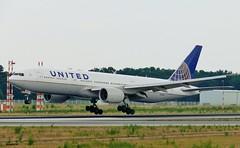N220UA - Boeing 777-222ER - UNITED (Hoddle747) Tags: n220ua boeing777 b777200 ua united fra fraport