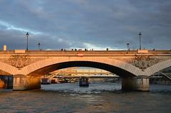paris_2016_2574 (rollertilly) Tags: paris seine bateaux mouches frankreich france bootsfahrt brcken ponts pontneuf eiffelturm abendsonne