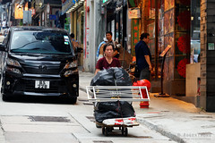 20160827-24-Hong Kong streets (Roger T Wong) Tags: 2016 hongkong rogertwong sel70300g sony70300 sonya7ii sonyalpha7ii sonyfe70300mmf2556goss sonyilce7m2 market people streets travel