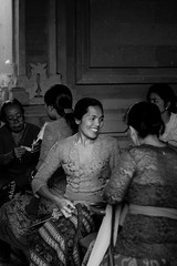 Women #ubud #bali #balinese #bw (Reynold07) Tags: ubud bali balinese bw