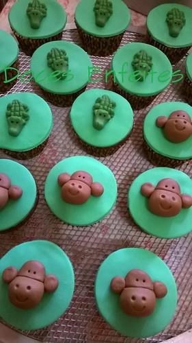 Festa Mickey Safari (cupcakes decorados)