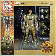 Kaiyodo  Sci-Fi Revoltech  Series No. 052  Iron Man 3  Iron Man Mark XXI  Midas  Box Art (My Toy Museum) Tags: kaiyodo revoltech sci fi iron man mark mk 21 xxi midas action figure