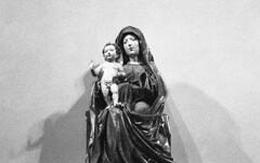 HOLYGRAIN#02 (Davide Ciriello) Tags: yashica fx3 super 2000 ilford delta 3200 iso 35mm film epson v600 statue grain