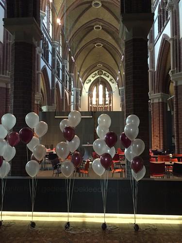 Tafeldecoratie 7ballonnen gronddecoratie Sint Martinuskerk Voorburg