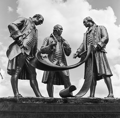 Three Wise Men (Rob Hall (SquarePhotography.co.uk)) Tags: robhall trilbyspats robinhall squarephotography squarephotographycouk birmingham birminghamuk uk england statue mathewboulton monochrome industrialists mediumformat film 6x6