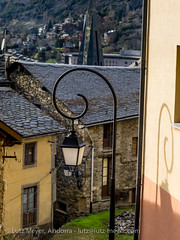 Andorra living: Engordany (lutzmeyer) Tags: pictures winter history architecture photography arquitectura europe december dorf village photos pics centre pueblo center images historic fotos architektur invierno dezember past historia andorra antic oldhouses bilder imagen diciembre pyrenees iberia historie pirineos pirineus iberianpeninsula architectura geschichte landleben pyrenen historisch imatges hivern rurallife poble desembre viertel baukunst altehuser engordany escaldesengordany ortsteil iberischehalbinsel stadtgebiet mfmediumformat livingantic livingrural parroquiaescaldesengordany andorracity camidelafont lndlichesleben lutzmeyer lutzlutzmeyercom
