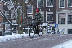 Reguliersgracht - Amsterdam (Netherlands) (Meteorry) Tags: winter red snow man holland netherlands hat amsterdam bike bicycle canal europe candid hiver sneeuw january downhill littleredridinghood neige paysbas slippery vlo kerkstraat homme fiets noordholland gracht mec roodkapje reguliersgracht stadsarchief meteorry petitchaperonrouge 2013 glissant bucyclette