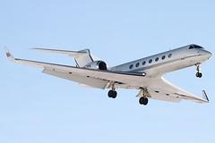 P4-TPS LTN 26/01/13 (757man) Tags: snow english up eos g aircraft aviation jet lit biz approach aerospace gulfstream 500d g550 ltn eggw