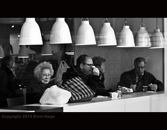 Hema lunch / Grote Marktstraat / The Hague (zilverbat.) Tags: windows portrait people blackandwhite bw holland dutch lady bag lunch photography lights blackwhite candid centre thenetherlands streetportrait streetlife denhaag timelife relaxed portret centrum thehague raam smaragd hema urbanlife hemaworst candidphotography voedsel streetcandid portretfotografie hofstad straatfotografie blackwhitephotos straatportret straatfotograaf zilverbat canonnederland sigma50mm14primelens sigmaprime50mm14 indischwoman