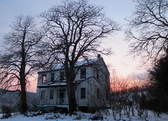 Sunset colors brighten even the abandoned... (karen&2mutts) Tags: sunset abandoned oldhouse ruraldecay ruraldeterioration