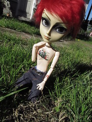 Yes I'm burning up but music is my drug~ (hillary795) Tags: tattoo doll pullip hash tattooed taeyang taeyanghash tattooeddoll taeyanghashdoll