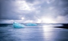 Icecubes at the sea... (oskarpall) Tags: