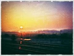 uk travel pink red england sky orange sun painterly blur... (Photo: Мaistora on Flickr)
