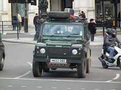 Defender 110 (kenjonbro) Tags: county uk 2002 green london westminster 4x4 110 trafalgarsquare landrover charingcross sw1 defender td5 kenjonbro fujifilmfinepixhs10 hk02obo