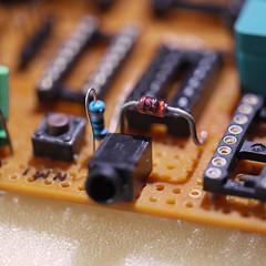 Me siento seguro (zuiko21) Tags: leica lumix cpu protoboard gf1 6502 zener macroelmarit 45f28