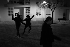 (mikhaela.o) Tags: bw white black kids night canon children football noite crianas streetphography 2013 1000d