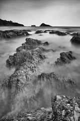 Leading Rocks (RTA Photography) Tags: longexposure light bw mist mountains dark nikon rocks soft moody shadows highlights sharp lowtide 1855mm torquay exposed torbay ndfilter meadfoot vle nikon1855mm thatcherrock 10stopnd nikond5000 nd1024 silverefexpro20