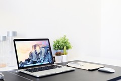 (lascombesaxel) Tags: work workspace love vsco vscocam paris france macbook macbookpro mbp apple space university magic mouse ipad air ipadair iphone 5s lover fujifilm fuji xa2
