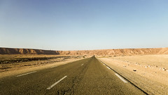 La Grande Falaise - In Amenas (habib kaki 2) Tags: algrie illizi ilizi      dsert sahara sud sable sand amenas aminas inamenas inaminas     rn3
