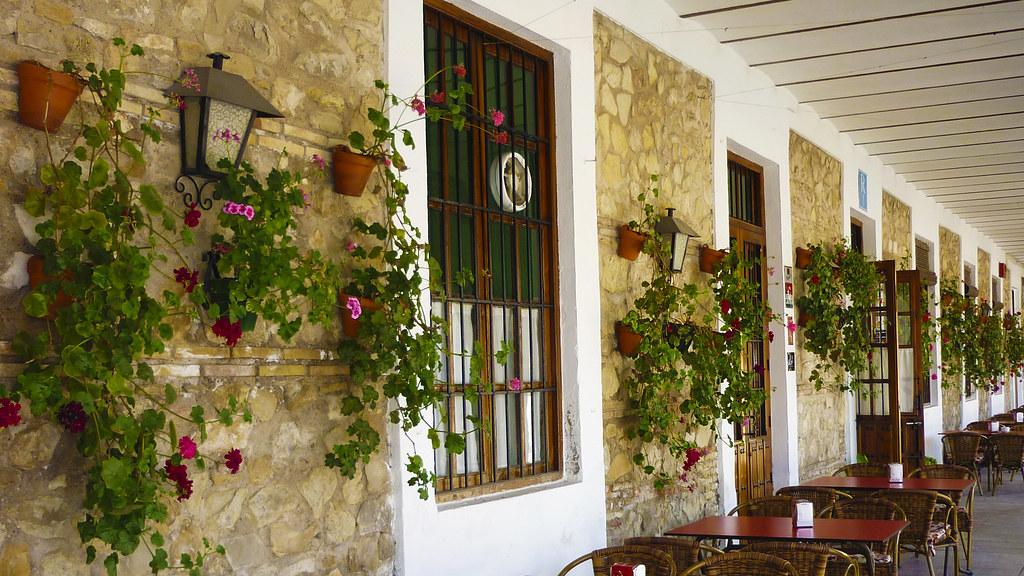 fotos de ventanas con flores. free puertas ventanas y entradas a