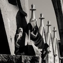 Sagrada familia - Le  reniement de saint Pierre (Fred (Mi.Femme.Mi.Fouine)) Tags: statues barcelona art pentaxk10d pentaxart sagradafamilia