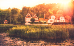 Ulsnis an der Schlei (moggafogga) Tags: schlei schleswigholstein sunset sunlight vacation availablelight ulsnis