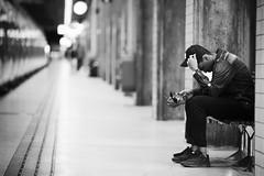 Stockholm sdra (bbuuttrriixx) Tags: fotografiska bekymmer gatufotograf gatufoto tg storstockholmslokaltrafik sl station perrong pendeltg stockholm d3 128 nikon nikkor ed 180 180mm stockholmsdra