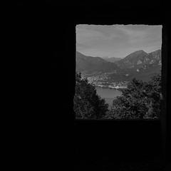 La finestra (leonardShelby00) Tags: consonno bw blackwhite ruins ghostvillage window biancoenero