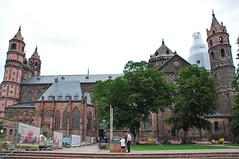Catedral de Worms, Alemania (kaplan10) Tags: catedraldeworms alemania religin arquitectura religiosa devocin fe creyente iglesia templo arquitecturareligiosa culto oracin gtico cristaleras catedral gotischearchitektur