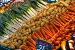 Order on the market (ido1) Tags: winter orange brown white paris green colors market carrot potatoe organized