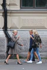 Helsinki_183 (Pancho S) Tags: girls people streets girl finland persona helsinki europa europe chica gente cities personas ciudades chicas scandinavia calles finlandia escandinavia