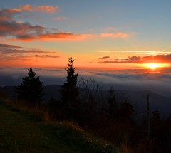 370e light up the sky (jjjj56cp) Tags: autumn orange mountains fall nature clouds sunrise dawn nc october tn ngc smokies gsm clingmansdome greatsmokymountains rosy abovetheclouds gsmnp mygearandme mygearandmepremium photographyforrecreation jennypansing