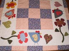 Toalha de Mesa Galinhas (Atelier Mimos da Fau) Tags: quilt patchwork galinhas aplicao botes patchcolagem troquinha bordadoamo aplique patchaplique grupoquiltaria