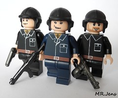 Soviet/Russian Tank Crew Soldiers WWII LEGO (MR. Jens) Tags: world two war tank lego russia wwii front crew soviet ww2 eastern troops russians pps tankcrew ppsh brickarms tt33