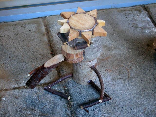 キッズアクティビティクラブ「GAO」の前にあった、木製のカッ。|星野リゾートリゾナーレ八ヶ岳
