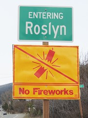 yellow ~ 10 no fireworks (Upupa4me) Tags: sign yellow warning washington forbidden firecracker roslyn nofireworks 365daysincolour
