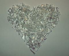 Homo homini lupus est (clarabueno) Tags: broken glass heart silouette silueta cristal feelings brokenheart sentir sentimiento romper corazndecristal