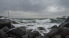 Kalvehageneset (Birgit F) Tags: ocean sea norway clouds norge waves windy tokina photowalk chilly fullframe skagerrak tang tare homborsund skerries grimstad svaberg austagder fototur ultrawidezoom tokina1116 kalvehageneset homborsundfotoklubb