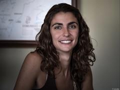 Montse (Luicabe) Tags: cabello chica enazamorado gente humano interior joven luicabe luis mujer persona posado retrato yarat1 zamora