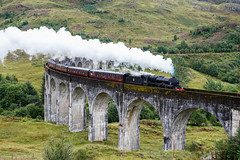The Jacobite on the Glenfinnan Viaduct (swissgoldeneagle) Tags: schottland d750 harrypotterbridge brücke unitedkingdom vereinigteskönigreich jacobite locomotive greatbritain thejacobite steam viadukt vereinigteskoenigreich scotland glenfinnan glenfinnanviaduct dampflokomotive bruecke bridge viaduct dampf grossbritannien steamengine lokomotive gb